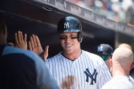Aaron Judge Breaks Joe Dimaggio S Yankees Rookie Home Run Record - russell yankees aaron judge passes joe dimaggio and has mark