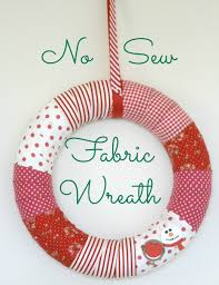 diy no sew fabric wreath for christmas the homemakery blog