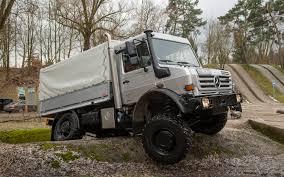 mercedes truck unimog mercedes unimog u4000 drive motor trend magazine