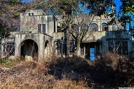 Mysterious Abandoned Places Abandoned Japanese Home Was Once A Grand Mansion Now Mysteriously