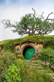 hobbit house images stock pictures royalty free hobbit house hobbiton movie set matamata north island new zealand editorial