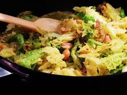 cuisiner le chou cuisiner chou vert source d inspiration midi cuisine choux vert au