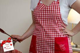 tablier de cuisine fait idée cadeau fête des mères le joli tablier de cuisine en vichy