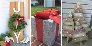 outdoor christmas decor 25 amazing diy outdoor christmas decorations on a budget