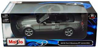 mustang gt model ford mustang gt convertible gray maisto 31158 1 18 scale