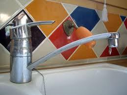 fuite robinet cuisine réparer un robinet qui fuit