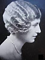 bobbed haircut with shingled npae popular hairstyles of the 1920s