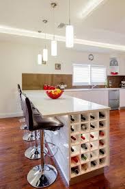 table haute de cuisine avec rangement le rangement bouteilles de vin concepts modernes archzine fr