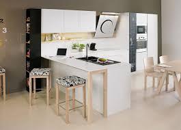 modele cuisine avec ilot central table exemple de cuisine avec ilot central superb cuisine en bois