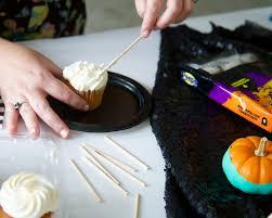 spooky halloween tombstone peeps cupcakes diy u2014 fête box