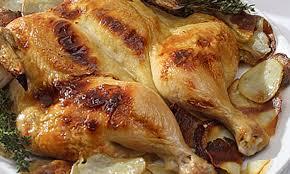 cuisiner poulet entier poulet entier en papillon grillé avec ses pommes de terre le