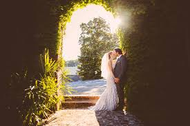 professional wedding photography do you need a professional wedding photographer