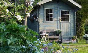 Summer House In Garden - summer house living indoors outdoors