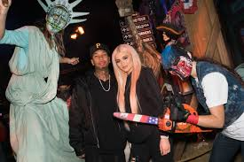 halloween horror nights at universal studios kylie jenner and tyga enjoy u0027halloween horror u0027 date night see