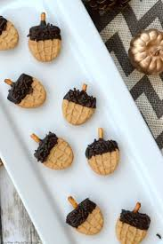 easy thanksgiving cookies easy fall acorn cookies acorn cookies thanksgiving and holidays