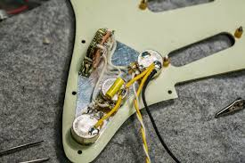 road worn strat wiring harness done retrofokus