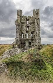 the 25 best haunted castles ideas on pinterest edinburgh castle