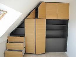 bureau sous pente bureau inspirational aménagement bureau sous escalier