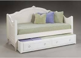 legacy classic kids enchantment daybed with trundle 888 4923 485