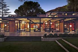 mid century house la canada mid century residence blends in with the surrounding