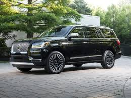 bentley bentayga 2016 price 2018 bentley bentayga vs 2018 porsche cayenne and 2018 lincoln