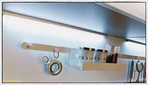 luminaire plan de travail cuisine eclairage cuisine led simple lumiere with eclairage cuisine led