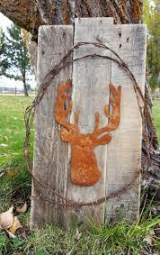 best 25 deer hunting decor ideas on pinterest hunting bedroom
