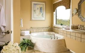 accent colors for beige bathroom cream colored tile backsplash