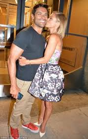 kelly ripa lmbo but that dress is h amazing u2026 pinteres u2026