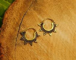 small gold hoop earrings best 25 small gold hoop earrings ideas on ear