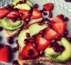 comment cuisiner un avocat toast fruits avocat alimentation végé comment