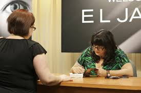 E L James El James Spends U0027grey U0027 Day With New York City Fans Wluk