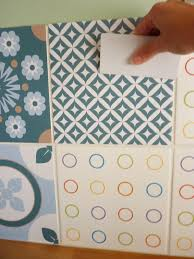 stickers meuble cuisine j ai testé pour vous les stickers décorés façon carreaux de ciment