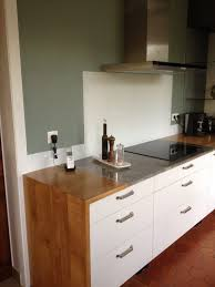 credence cuisine blanc laqué crédence en verre laqué pour cuisine entretien le marchand de