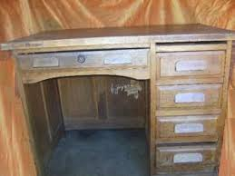 petit bureau ancien ancien petit bureau administratif bois enfant ecolier par
