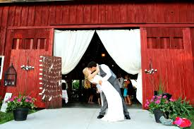 Michigan Barn Wedding This Red Barn Is One Of The Most Breathtaking Wedding Venues In