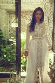 robe mariage marocain les 25 meilleures idées de la catégorie djellaba marocaine sur