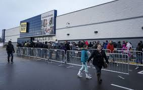bestbuy thanksgiving hours some stores opening on thanksgiving many others staying closed