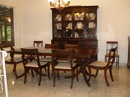 Colonial Dining Room Furniture The Table And Chairs Nebulosabarcom - Colonial dining room furniture