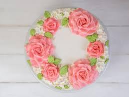 hochzeitstorten selber backen einfache hochzeitstorte selber machen blumenkranz torte