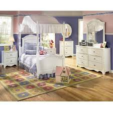 amazon com exquisite youth canopy bedroom set by ashley