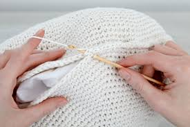 How To Make A Wool Rug With A Hook What Size Crochet Hook Is Needed For A Rag Rug