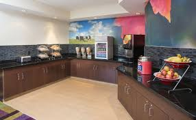 Comfort Suites Terre Haute In Terre Haute Hotel Coupons For Terre Haute Indiana