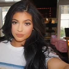 the crazy story of how kylie jenner u0027s makeup artist came to be