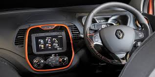 renault captur white interior 2015 renault captur pricing and specifications photos 1 of 7