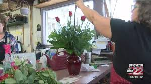 burlington florist south burlington florist preps for hundreds of s day
