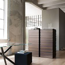 Black And White Laminate Floor Funiture Glwoing Dark Chestnut Chest Drawers In Iron Legs