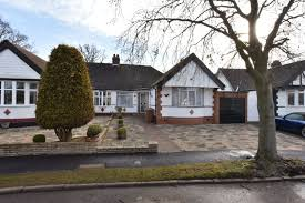 2 bedroom bungalow for sale potters bar duncan perry