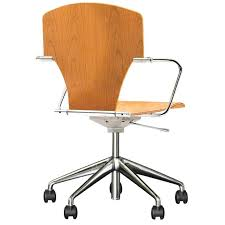 le de bureau orange chaise bureau orange chaise de bureau bois chaise roulante bureau