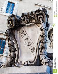 decoupe de marbre spqr a découpé en marbre à rome l u0027italie photo stock image